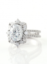 3ct Oval Moissanite Graduated Halo Engagement Ring (5)