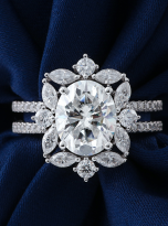 3ct Oval Moissanite Graduated Halo Engagement Ring (7)