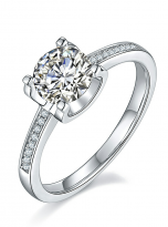 4 claw round shaped moissanite solitaire ring (1)
