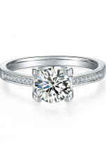 4 claw round shaped moissanite solitaire ring (2)