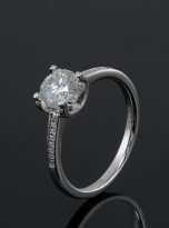 4 claw round shaped moissanite solitaire ring (6)