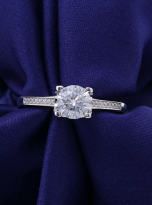 4 claw round shaped moissanite solitaire ring (7)