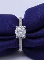 4 claw round shaped moissanite solitaire ring (8)