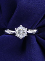 6 claw moissanite flower style solitaire ring (7)
