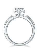 Classic 4 claw moissanite solitaire ring (3)