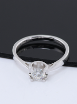 Classic round shaped solitaire engagement ring (7)