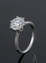 Elegant 6 claw round shaped moissanite solitaire ring (6)