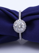 Elegant engagement ring featuring a tight halo (12)