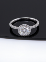 Elegant engagement ring featuring a tight halo (13)