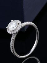 Elegant engagement ring featuring a tight halo (5)