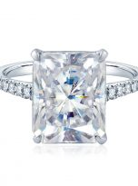 Emerald Moissanite engagement Ring with 5ct (1)