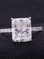Emerald Moissanite engagement Ring with 5ct (5)