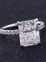 Emerald Moissanite engagement Ring with 5ct (6)