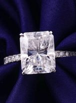 Emerald Moissanite engagement Ring with 5ct (8)
