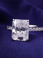 Emerald Moissanite engagement Ring with 5ct (9)
