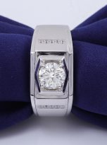 Moissanite men's ring in a brilliant 1.0ct 6.5mm round cut (6)