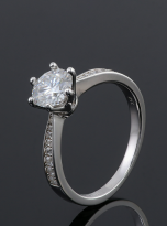 Simple 6 claw round shaped solitaire moissanite ring (5)