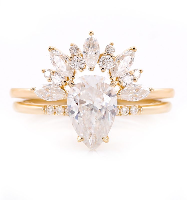 1.5ct VVS Pear Moissanite with Marquise Moissanite Ring Set