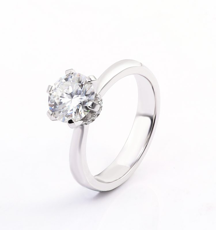 1.5ct Classic 6-Prong Round Brilliant Cut Moissanite Solitaire Ring
